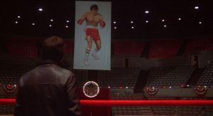 Rocky e il cartellone con i pantaloncini sbagliati