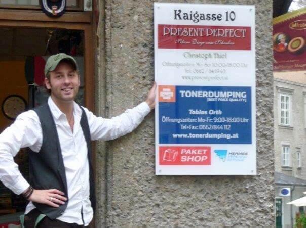 Tobias Orth, Inhaber von Tonerdumping-Österreich startete mit seiner Versandzentrale in der Salzburger Fußgängerzone im Jahr 2009