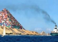 Eine Pyramide aus Containern