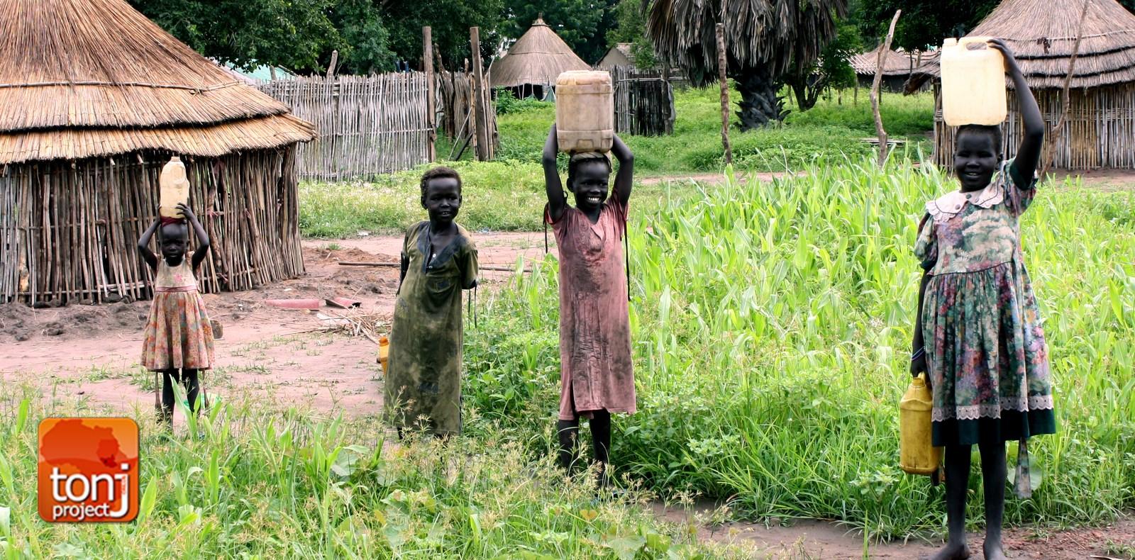 Raccolta acqua Tonj sud sudan Tonjproject Onlus