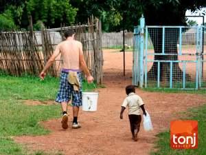 lavori ricordi estate 2009. Organizzazione benefica Tonjproject sud sudan Africa.