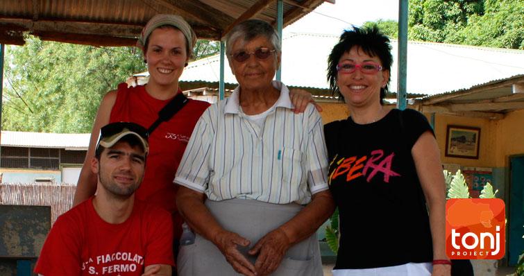 2010 Organizzazione benefica Tonjproject sud sudan Africa. Dona per aiutare