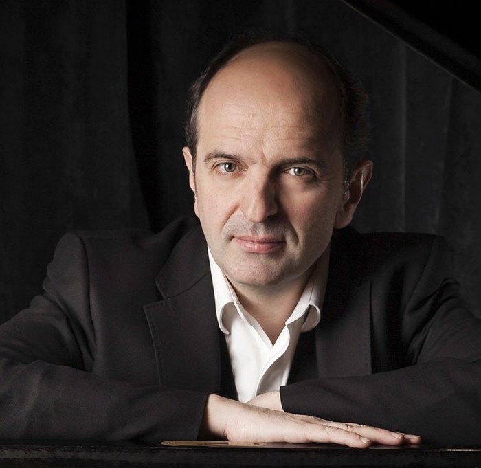 Denis Pascal pianiste participe au festival Tons Voisins 2021 à Albi.