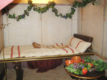 Replica of a Roman feasting couch, Enoteca Italiana, Siena