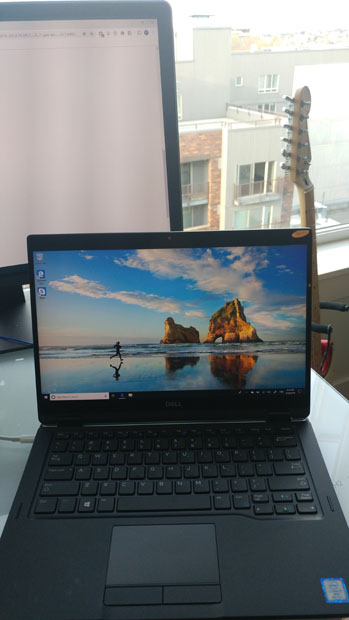 Dell Latitude 7390 2-in-1 on