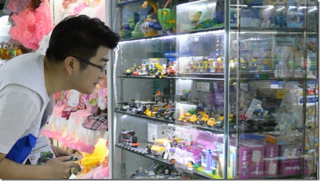 tony sourcing toys in market