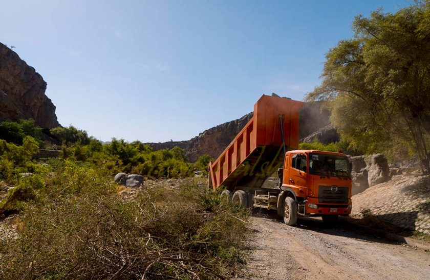 Wadi Tanuf Clean up Dump Truck
