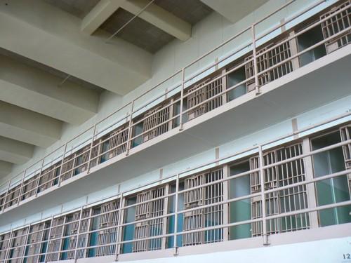 prison-142141_640