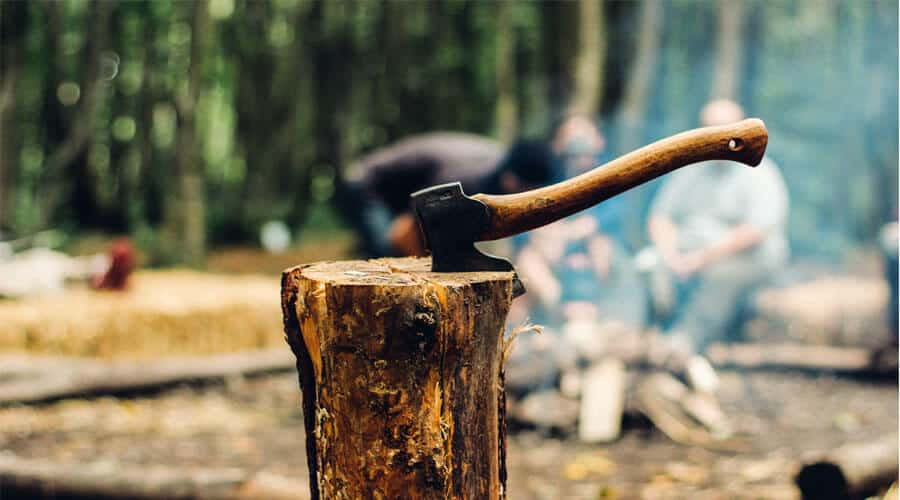 how to split wood with a maul