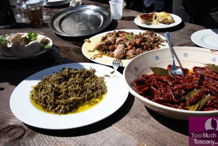 Tasting local products at Rifugio gli Sfilzi