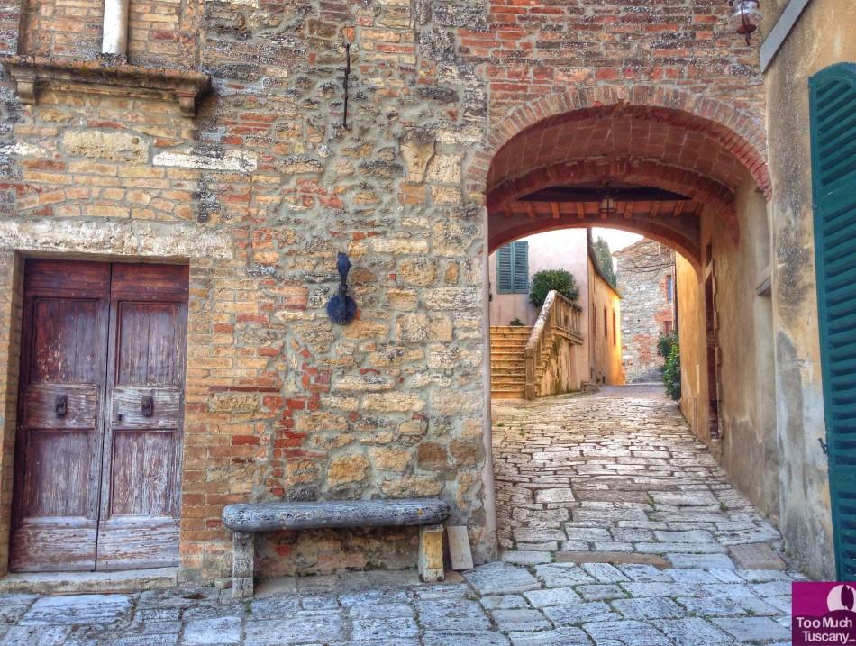 The hamlet of Lucignano d'Asso