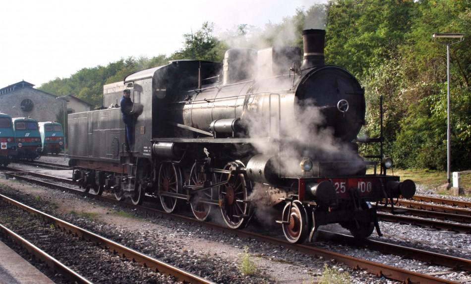 Steam-engine train in Mugello