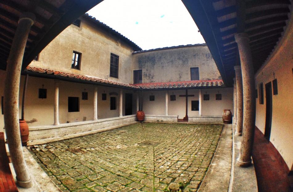 Courtyard of Convento dell'Incontro
