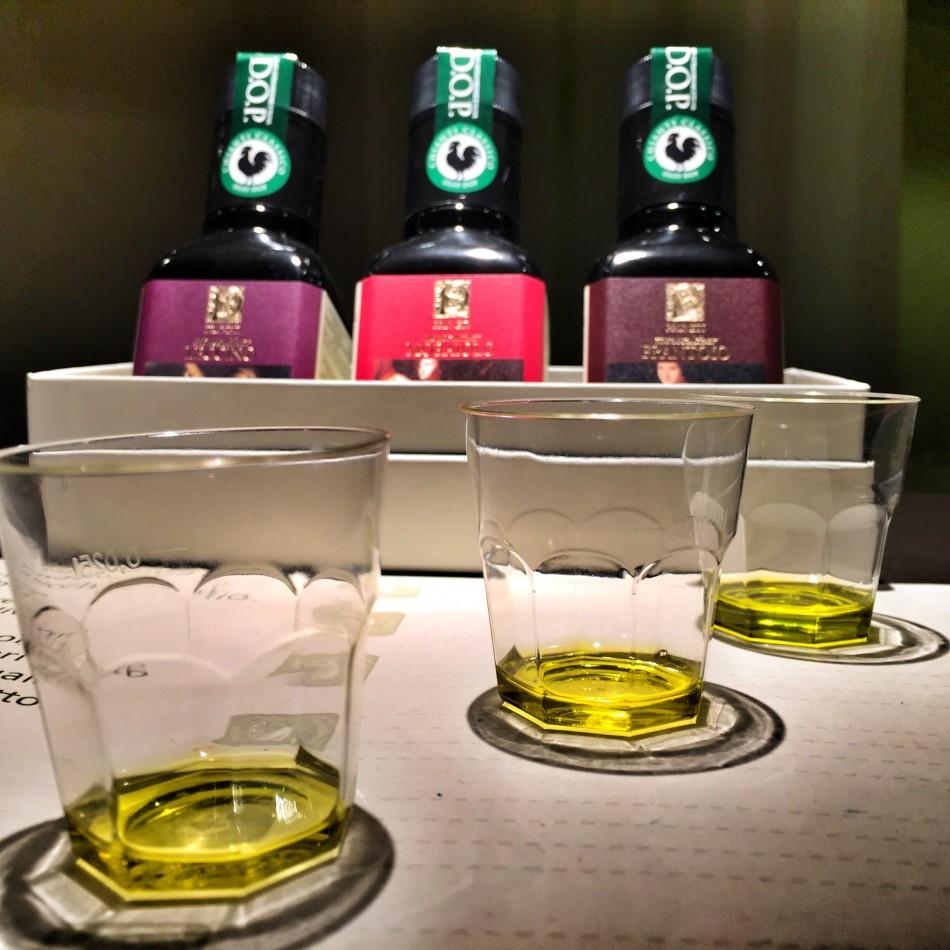 Extra Virgin Olive Oil at Pruneti