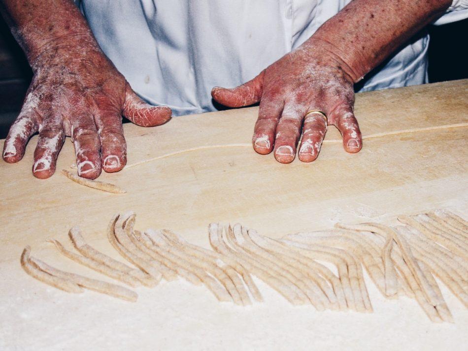 Making Pici in Siena surroundings