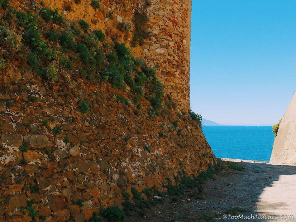 Piombino - Leonardo's walls