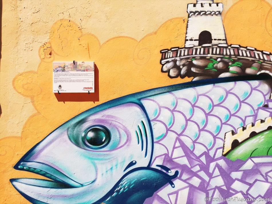 Piombino - Murals in the center