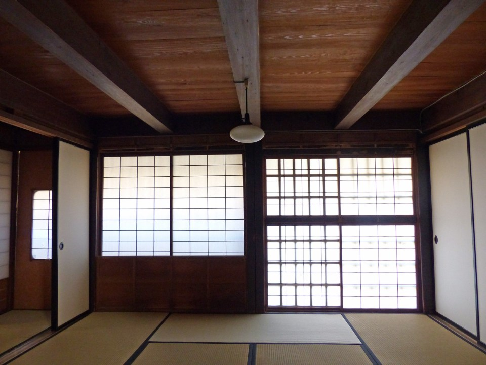 Japanese room with screens