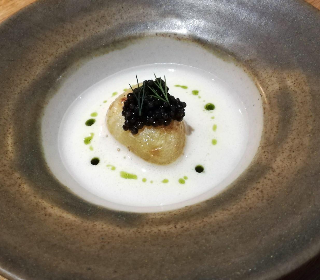 Potato in white sauce with caviar
