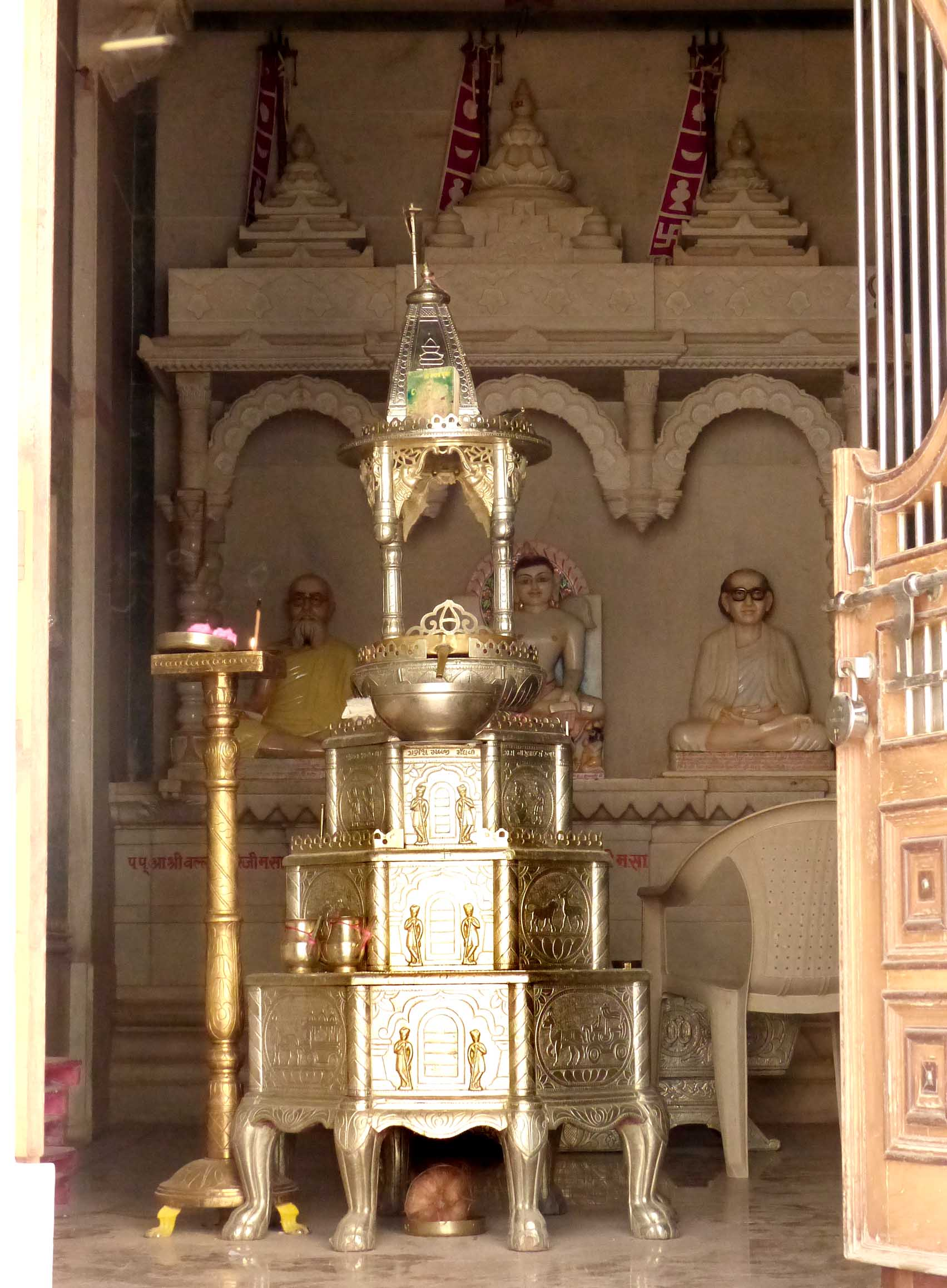 Small shrine with statues