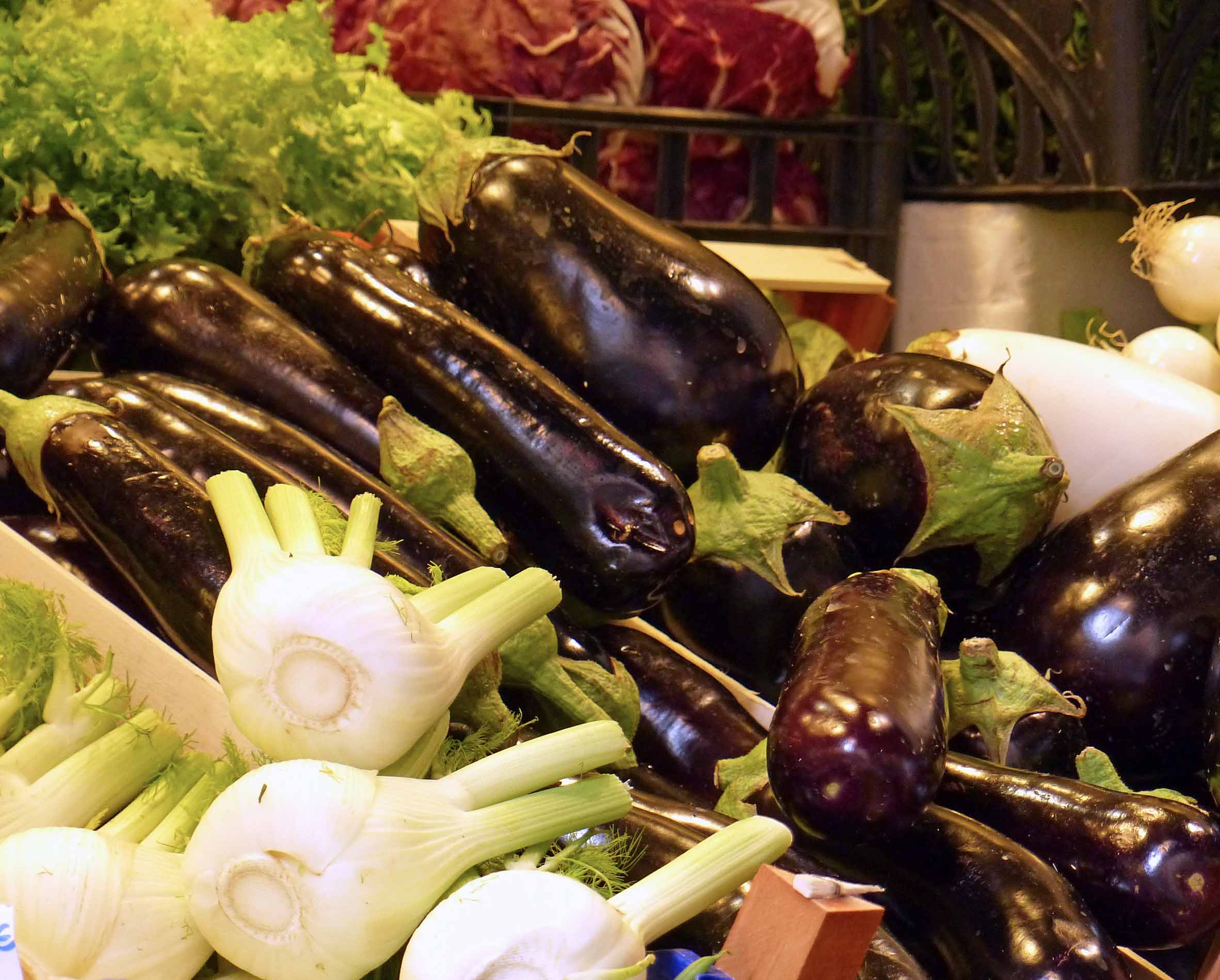 Fennel bulbs and aubergines