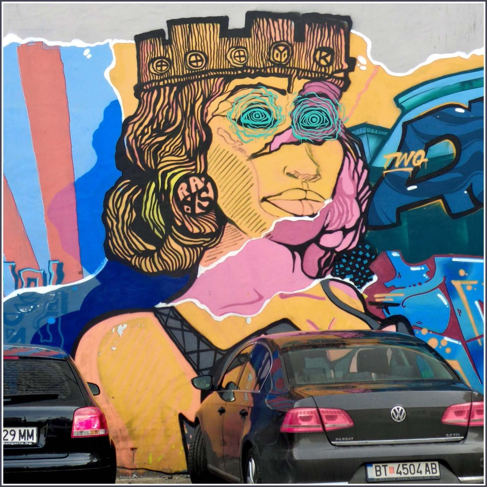 Mural of a lady with a crown