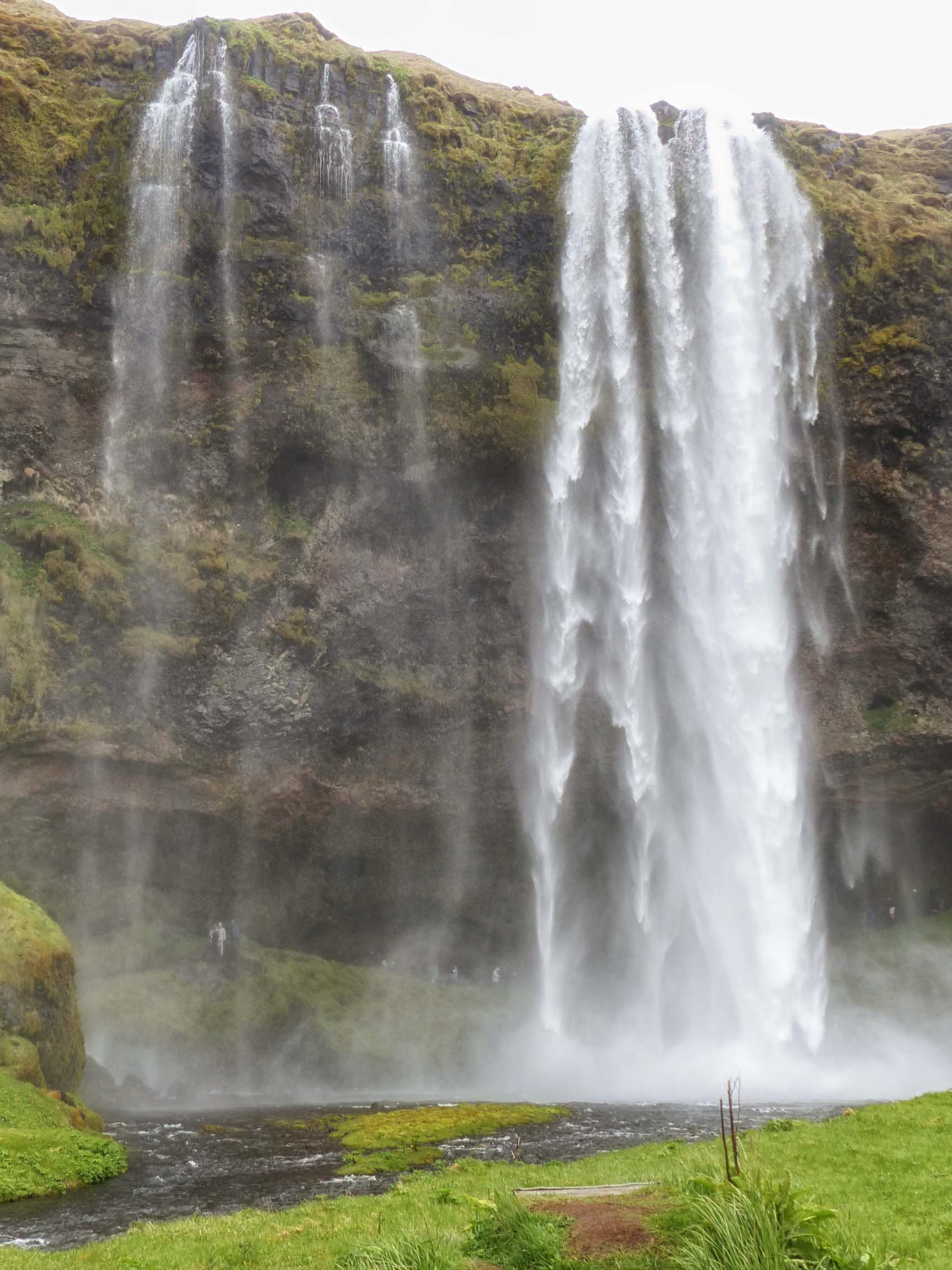 Veil-like waterfall