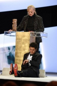 """Bla Bla Bla..."": Jamel Debbouze waits for Margaret Menegoz' acceptance speech to finish."