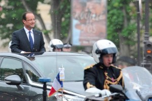 Hollande arrives in Paris in triumph. Even though much was made of his use of a private jet après-victoire, accounts show that he was nowhere near the Sarkozy level of spending