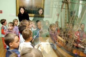 Wonders from a far-off time: A school group at the Musee National de la Marine