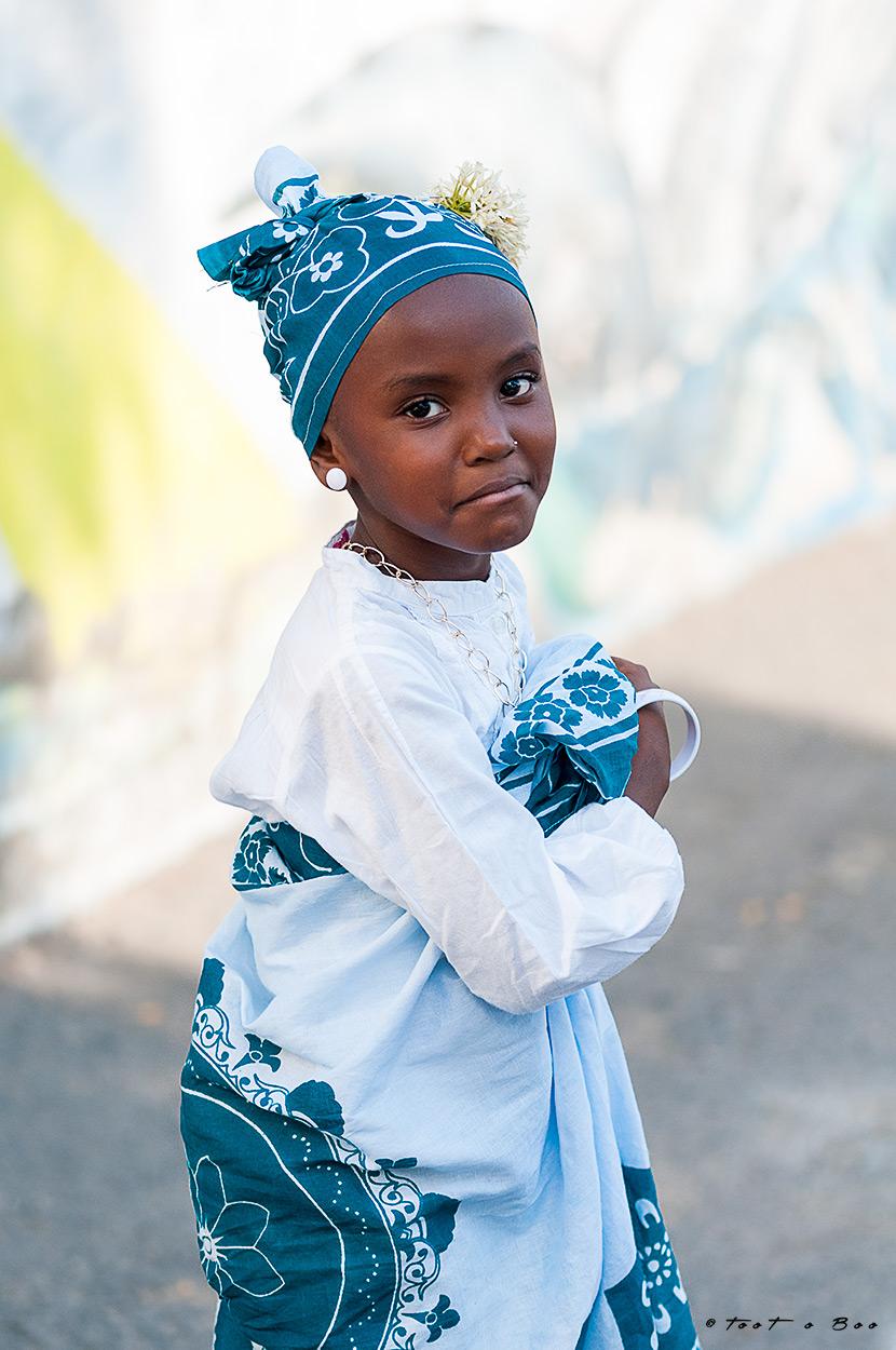 jeune Mahoraise en habit locale-Mayotte