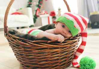 How to Celebrate Your Baby's First Christmas