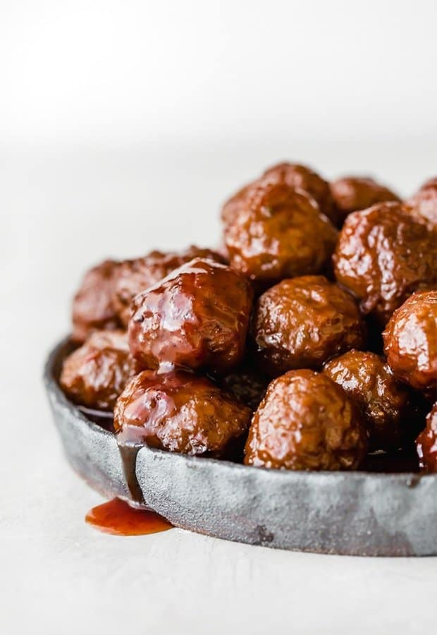 Easy Slow Cooker Grape Jelly Meatballs