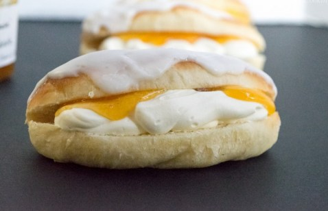 Iced finger With Apricot Filling