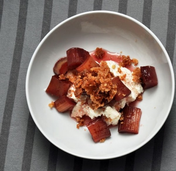 Rhubarb with Ricotta and Walnut Crumble
