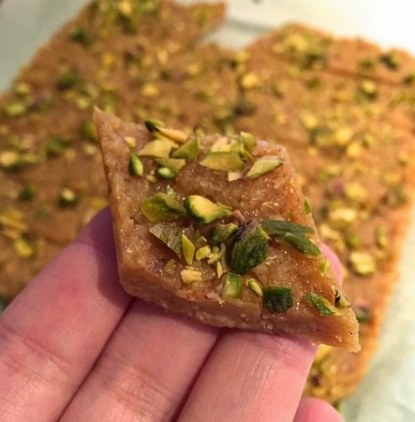 Homemade Cardamom & Cashew Fudge