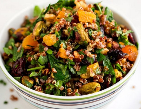Rainbow Quinoa Salad With Mixed Nuts