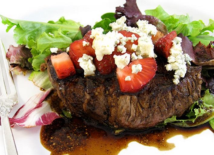 Skinny Steak & Strawberries
