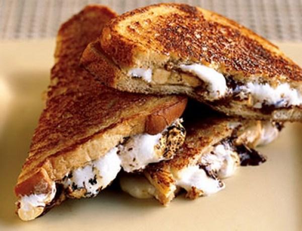 Toast Marshmallow Sandwiches