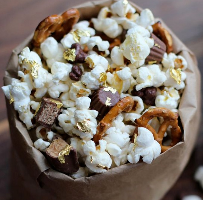 Golden Oscar Award Winning Popcorn