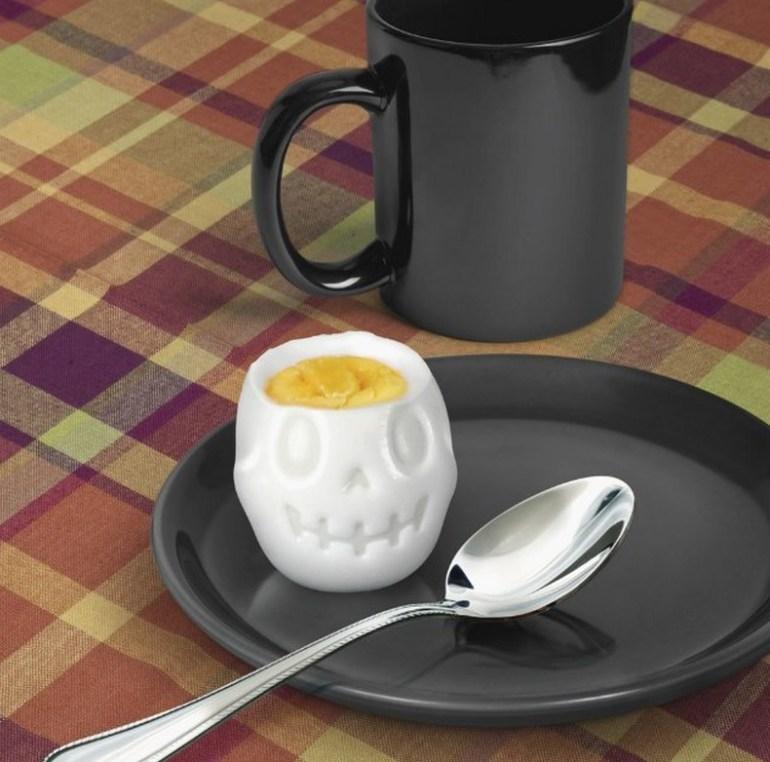 Egg-A-Matic Skull Egg Mould