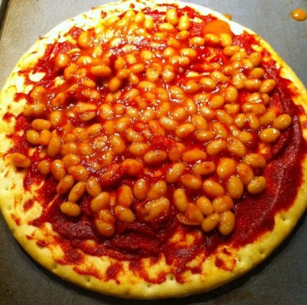 Baked Bean Pizza