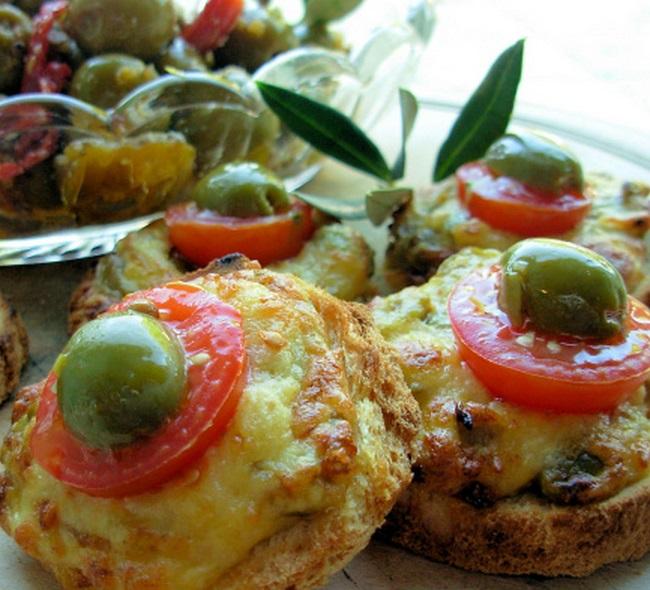 Cheese & Olive Welsh Rarebit Bites