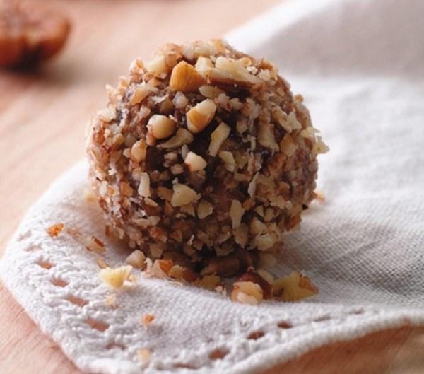 Nutty Date Balls
