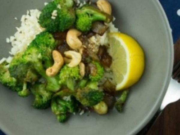 Cashew Broccoli with Lemon