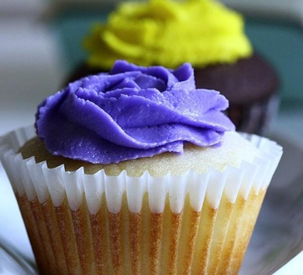 Eggless Vanilla Cupcakes