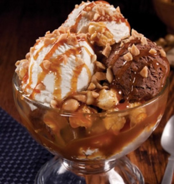 Caramel & Popcorn Ice Cream Sundaes