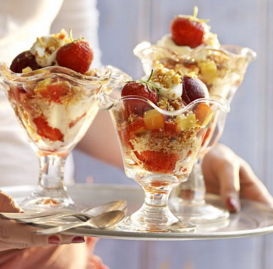 Fruity Summer Ice Cream Sundaes