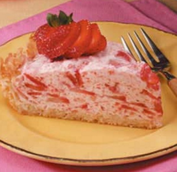 Strawberry Bavarian Cream Pie