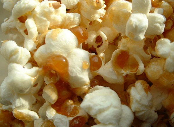 Maple Syrup & Caramel Popcorn